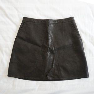 Zara Basic Faux Leather Mini Skirt Black Zip Up  L